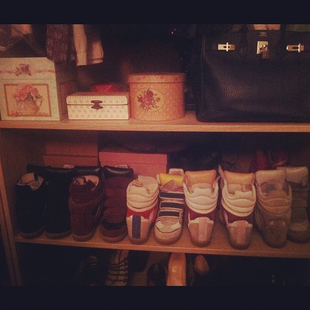 2012-03-04 - I love my sneakers IM