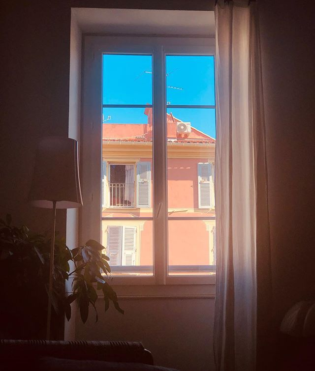 2018-10-13 - I like autumn 🍂 #home #bluesky