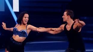Alizée & Grégoire Lyonnet dancing Cha-Cha-Cha