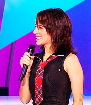Aliz&eacute;e at Star Academy wearing the black outfit just after singing &Agrave; contre-courant.